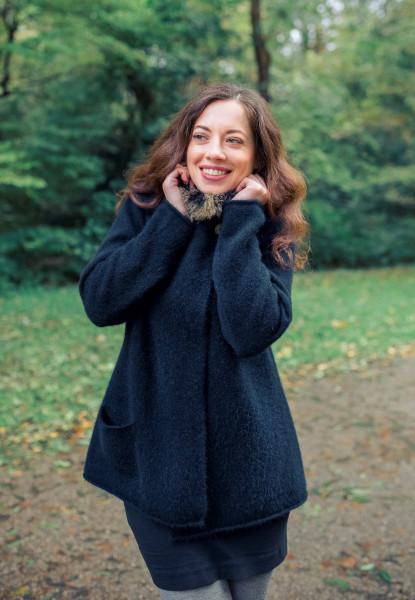 Asymmetrische Jacke mit Possumpelz