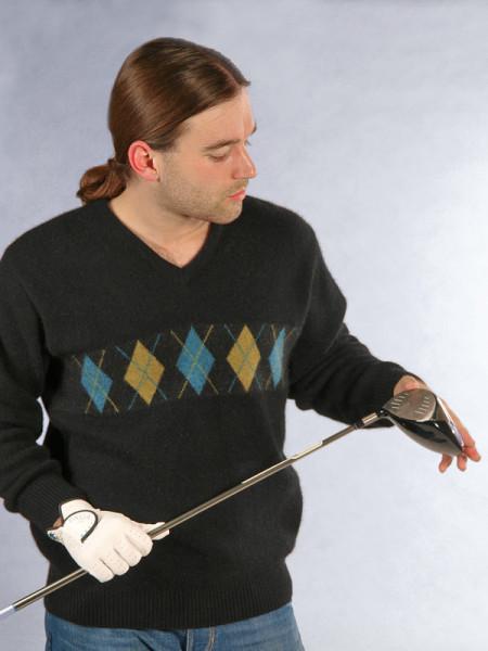 V-Pullover mit Argyl-Muster